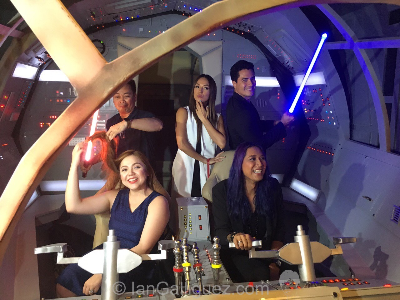 MJ Marfori, Nelson Canlas, Aubrey Milesm, Troy Montero and Angelina Mead King inside Spacewars' cockpit